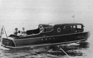 Al-Capones-Boat-758311
