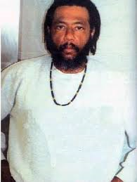 Leader of gangster disciples larry hoover denounces former gangster king larry hoover founder of the gangster disciples street gang malvernweather Choice Image